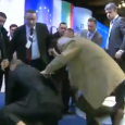 В продължение на няколко минути депутати жестоко ритаха, налагаха и блъскаха отдавна поваления нападател на Ахмед Доган. Всичко това през погледа на на журналисти с камери и фотоапарати заснимащи конференцията […]