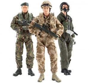 """Пехотинец, пилот и пустинен боец от серията """"Нейно величество военни сили"""""""