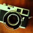 Дизайнери от прочутата немска марка Leica и Джонатан Айв, популярният дизайнер на уникалното мобилно устройство Apple, преди повече от година планираха да разработят съвместно фотоапарат – лимитирана версия на Leica […]