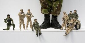 Учени харчат 500 000 паунда за изследвания на детски играчки